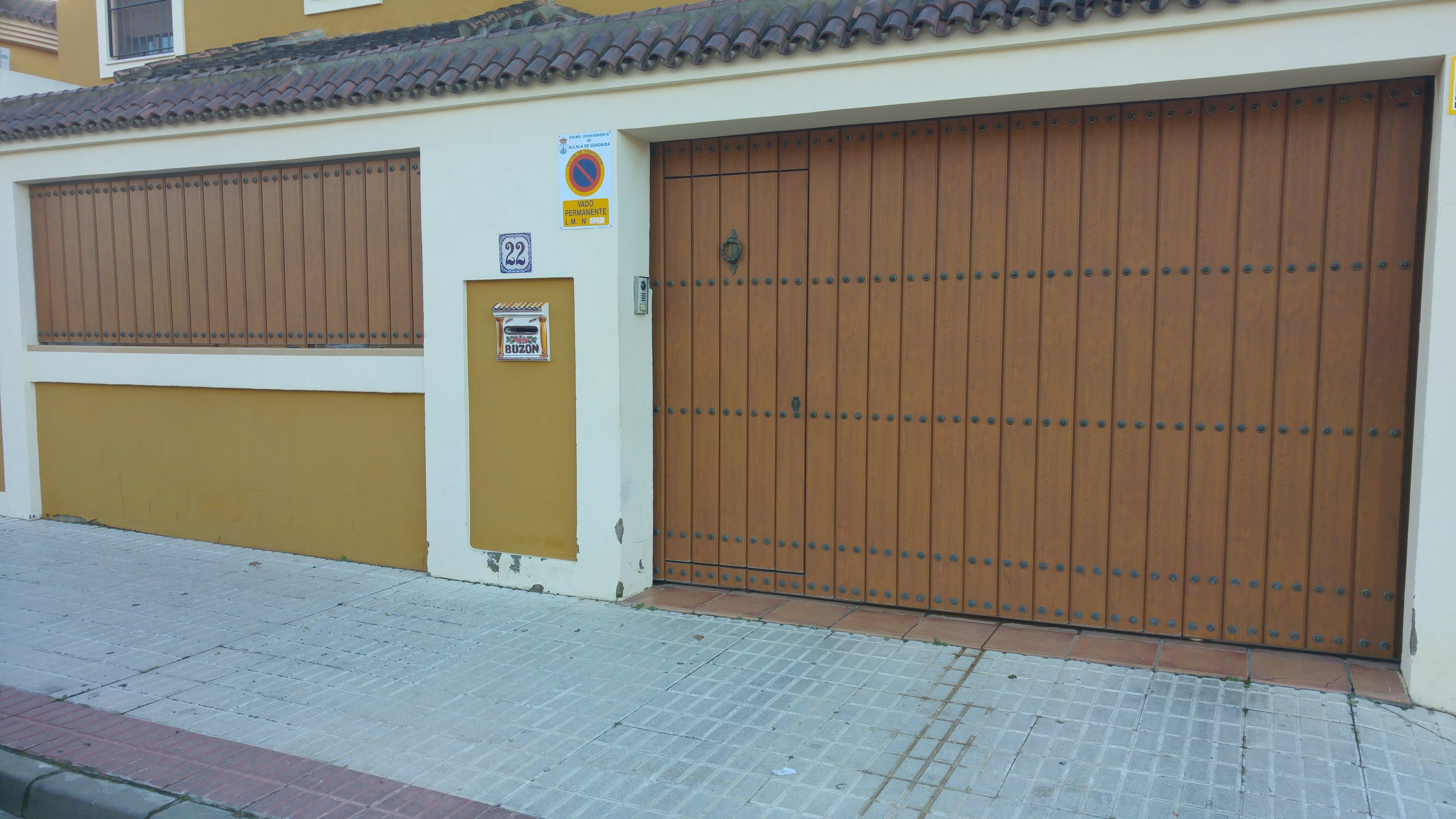 Puertas de garaje y cancelas puertas automaticas mena - Puertas de garaje murcia ...