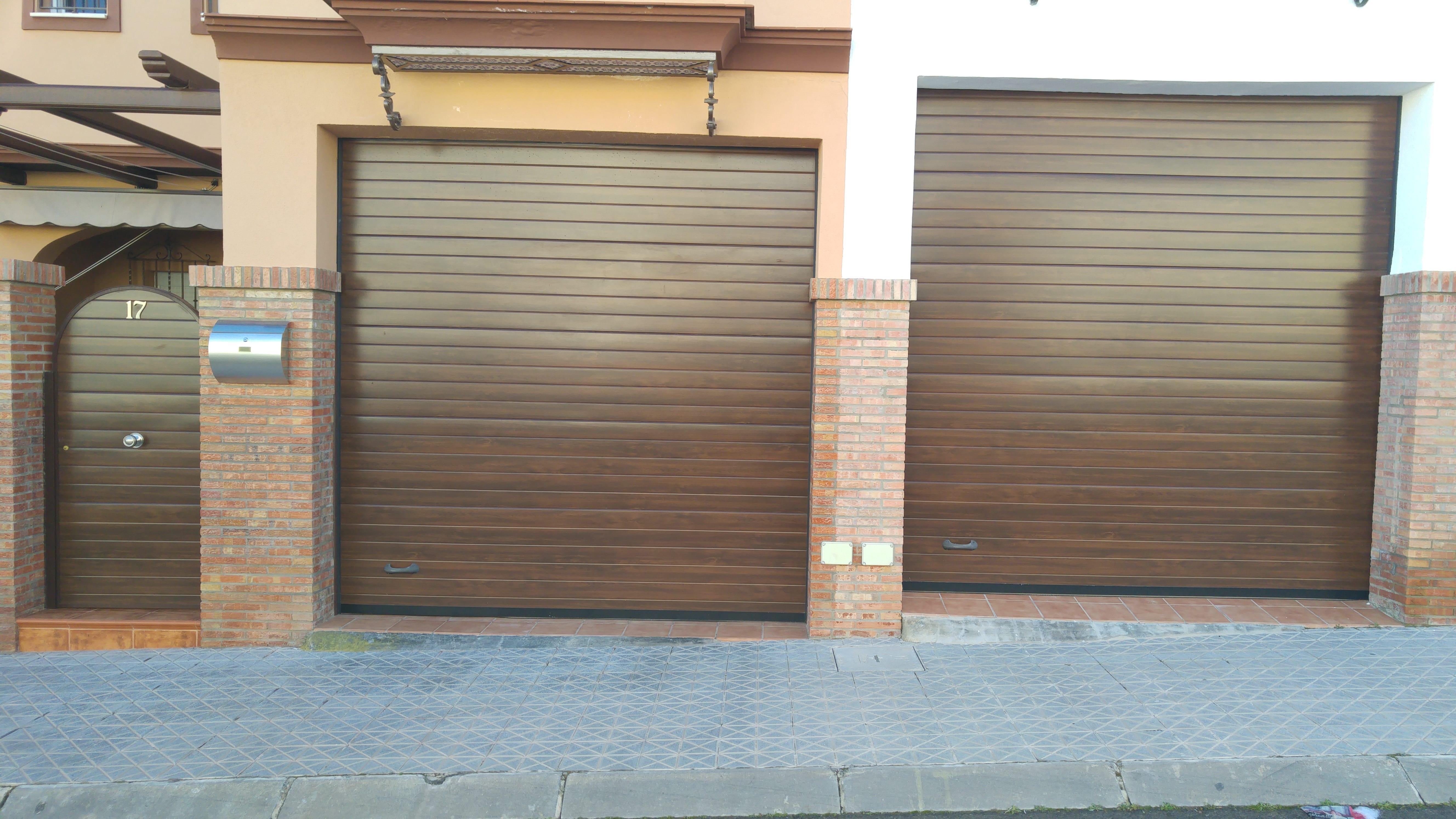 Puertas de garaje comunitario puertas autom ticas mena - Puerta de garaje automatica ...