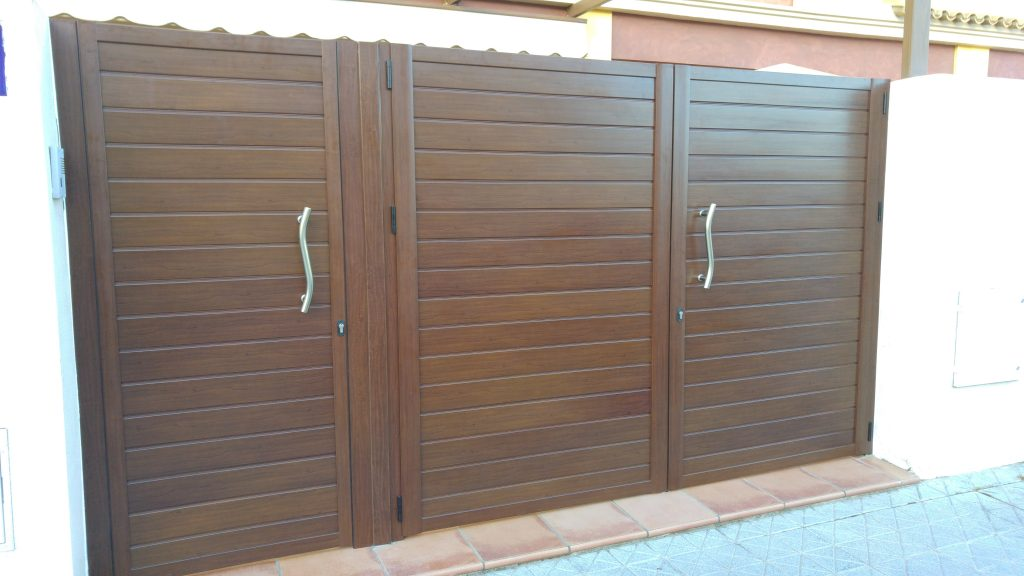 Puertas de garaje en sevilla puertas autom ticas mena - Puertas de garaje murcia ...