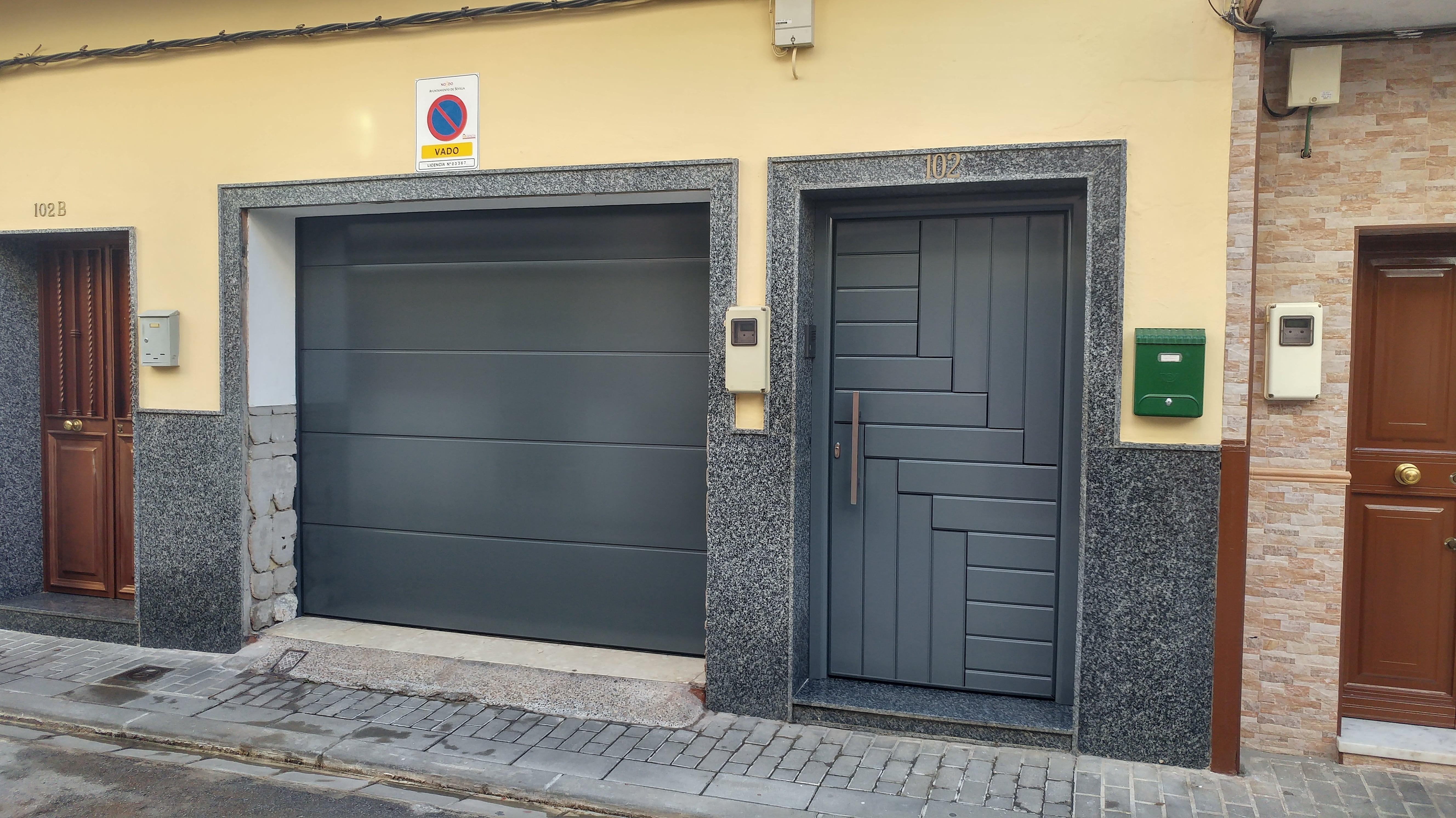 cancela de garajes puertas mena alcala de guadaira