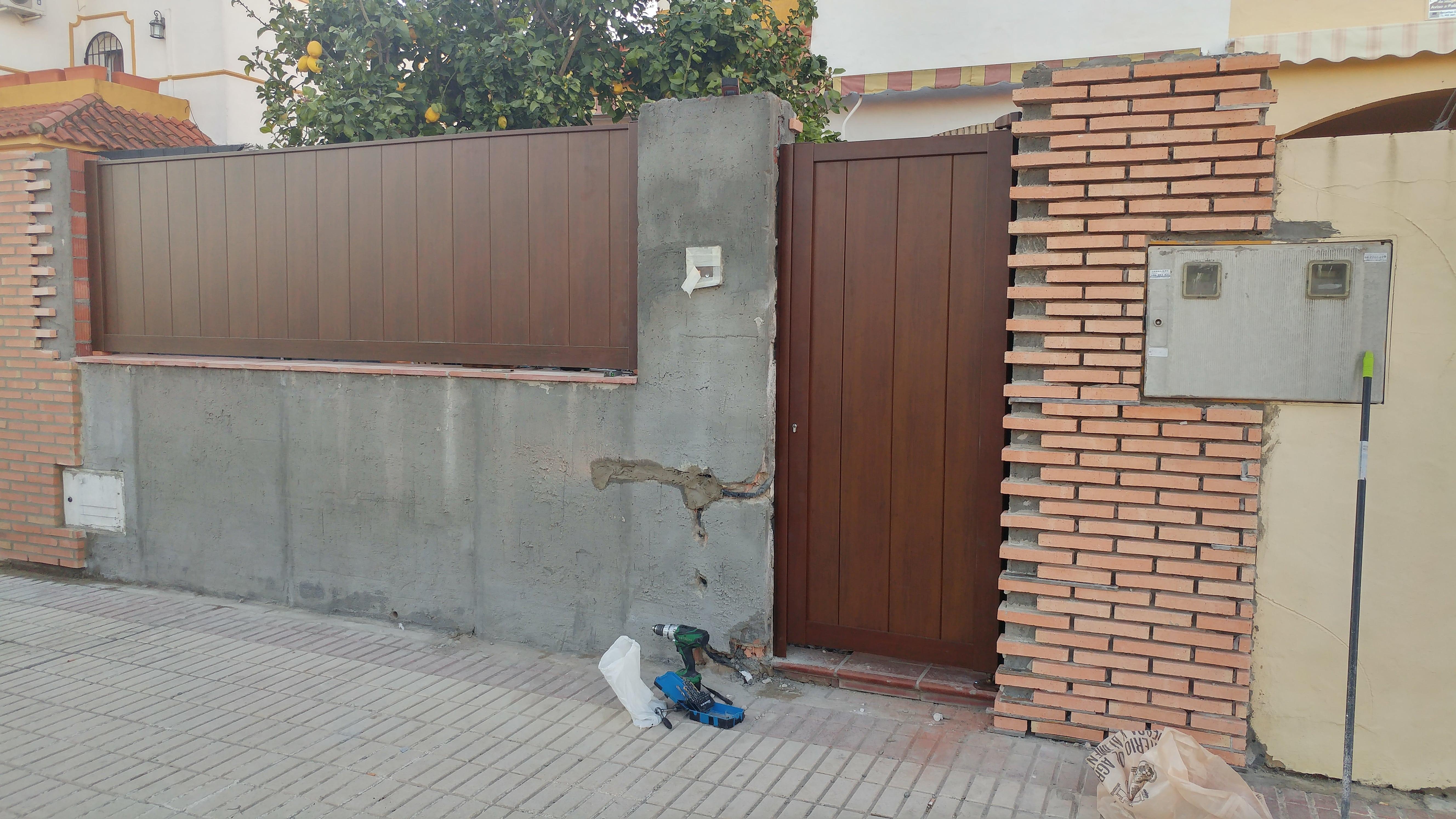 Puertas de garajes en sevilla y alcala de guadaira