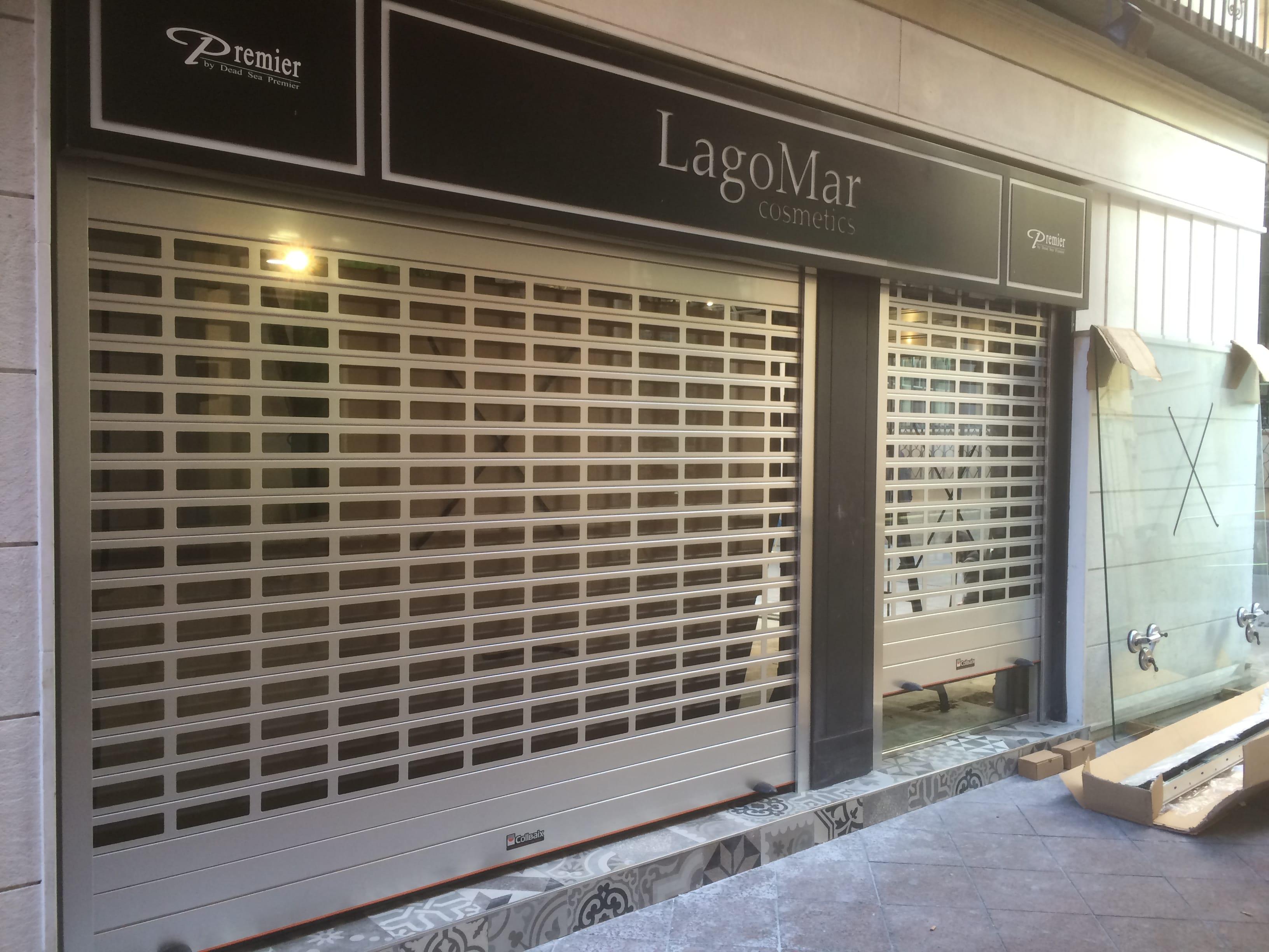 Puertas enrollables para comercios con poco espacio for Puertas enrollables
