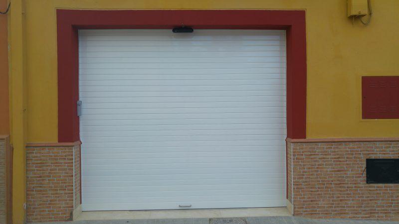 Puerta de garaje automatizada